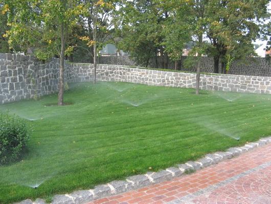 Автоматический полив газонов